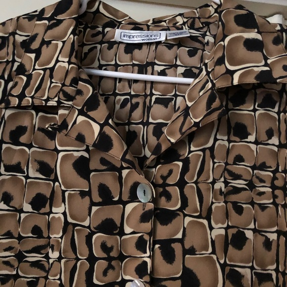 Impressions Tops - Impressions woman button down blouse